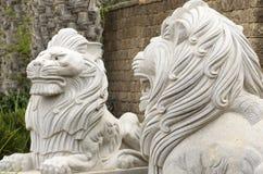 2 изваянных льва Стоковая Фотография RF