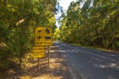 Изверги пересекая, измененный знак Стоковое Фото
