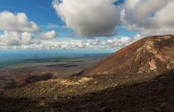 Извержение 1975 борозды Tolbachik северного прорыва большое Стоковые Изображения RF