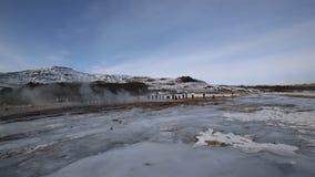 Извержение гейзера видеоматериал
