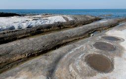 Известковые скалы на побережье Стоковое фото RF