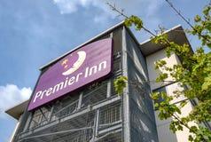 Известная, великобританская сеть отелей увиденная показать новое здание стоковое изображение