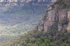Известная горная порода 3 сестер в голубом Na гор Стоковые Изображения