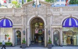 Известная гостиница Беверли Wilshire в Беверли-Хиллз - ЛОС-АНДЖЕЛЕСЕ - КАЛИФОРНИИ - 20-ое апреля 2017 Стоковая Фотография