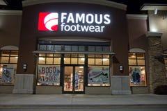Известная ноча здания обуви @ стоковые фотографии rf