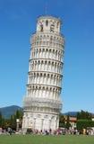 известная полагаясь башня pisa Стоковые Фото