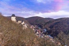 Известная чехия Karlstejn Castlein стоковое фото