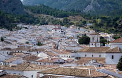 Известное старое hilltown Grazalema в Андалусии Стоковое Изображение RF