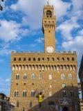 Известное della Signoria аркады с Palazzo Vecchio в Флоренсе, Тоскане, Италии - ФЛОРЕНСЕ/ИТАЛИИ - 12-ое сентября 2017 стоковые фото