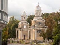Известные башни mistley раз сгоренный вниз с погоста церков Стоковые Фото