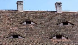 Известные глаза Крыша с похожими на глаз окнами Стоковое фото RF