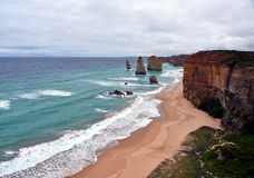Известные горные породы вызвали 12 апостолов на большой дороге океана Стоковое Фото