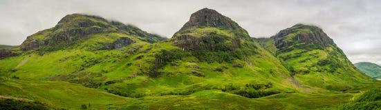 Известные 3 горы сестер в Glencoe, северо-западе Шотландии стоковые фотографии rf