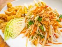 Известные тайские еда, салат папапайи или Стоковые Изображения RF