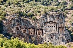 Известные усыпальницы Lycian старого города Caunos, Dalyan, Турции Стоковое фото RF