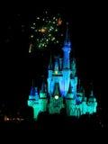Известные фейерверки spectacular nighttime желаний Стоковое Изображение RF