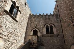 Известный двор в Taormina, Сицилии, Италии Стоковая Фотография