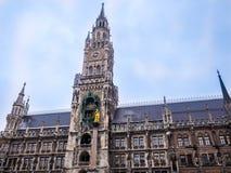 Известный здание муниципалитет на marienplatz, Бавария Мюнхена Германии ландшафта часы зимы сезона Стоковое фото RF