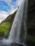 Известный исландский водопад Seljalandsfoss стоковое фото rf