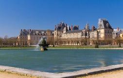 Известный королевский замок Фонтенбло, Франция стоковые фотографии rf