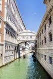 Известный мост вздохов в Венеции, Италии Стоковое Фото