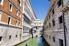 Известный мост вздохов в Венеции, Италии Стоковая Фотография