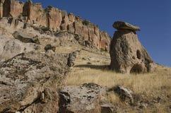 Известный ориентир ориентир Cappadocian - вырезанная в скале христианская церковь, Турция Стоковая Фотография
