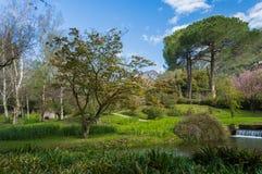Известный сад Ninfa весной стоковые фото