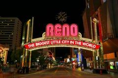 Известный самый большой маленький город в мире подписывает сверх улицу Вирджинии в Reno, Неваде Стоковое Изображение RF