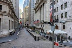 Известный Уолл-Стрит и нью-йоркская биржа в Нью-Йорке, NY Стоковое Изображение