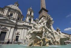 Известный фонтан квадрата Navona аркады 4 рек с Стоковые Изображения