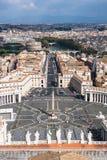 Известный St Peter & x27; s придает квадратную форму в Ватикане, виде с воздуха города Рима, Италии Стоковое Изображение RF