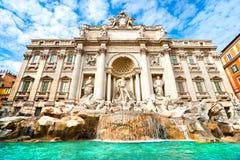 известный trevi Италии rome фонтана Стоковые Фотографии RF