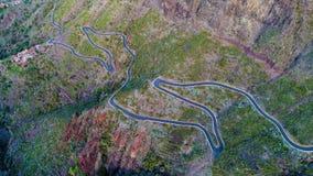 Извилистая дорога вида с воздуха около ущелья Masca сток-видео