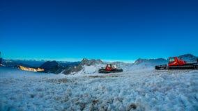 Извлекать тележку вилы плужка снега стоковое изображение
