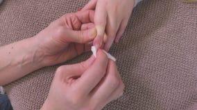 Извлеките лак для ногтей акции видеоматериалы