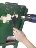 Извлекать краску используя оружие жары Стоковые Изображения RF