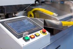 изготавливание Снятый машины для гофрируя проводов стоковое фото rf
