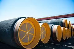 Изготовление стальных труб для подводного газопровода Стоковые Фото