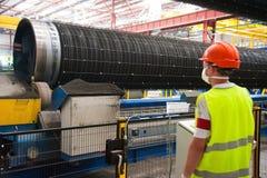 Изготовление стальных труб для подводного газопровода Стоковые Фотографии RF