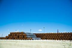 Изготовление стальных труб для подводного газопровода Стоковые Изображения RF