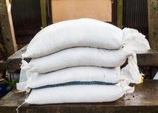 Изготовленная компост почва производства керамических изделий в сумках стоковые фото