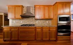 изготовленная на заказ кухня Стоковая Фотография RF