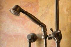 изготовленный на заказ ливень faucet стоковое фото rf