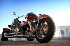 Изготовленный на заказ красный трицикл Стоковая Фотография RF