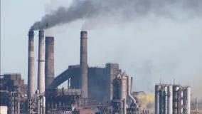 Излучения атмосферных загрязнителей - покрашенный дым видеоматериал