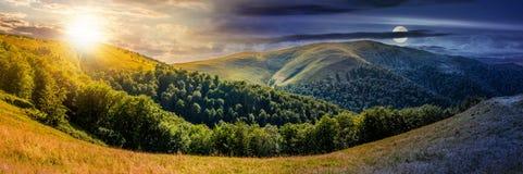 Изменение времени над панорамой в горах Стоковое Изображение