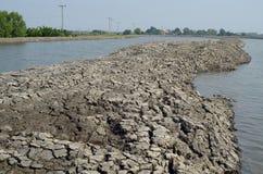 Изменение климата, земля сухо, засуха, треснутая земля Стоковое фото RF