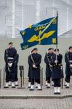 Изменение предохранителя около королевского дворца Ежедневный торжественное изменение предохранителя Стоковая Фотография