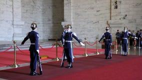 Изменять предохранителей на Chiang Kai-Shek мемориальном Hall HD видеоматериал